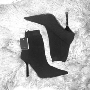 NWT ZARA STRETCH FABRIC ANKLED HEEL BOOTS